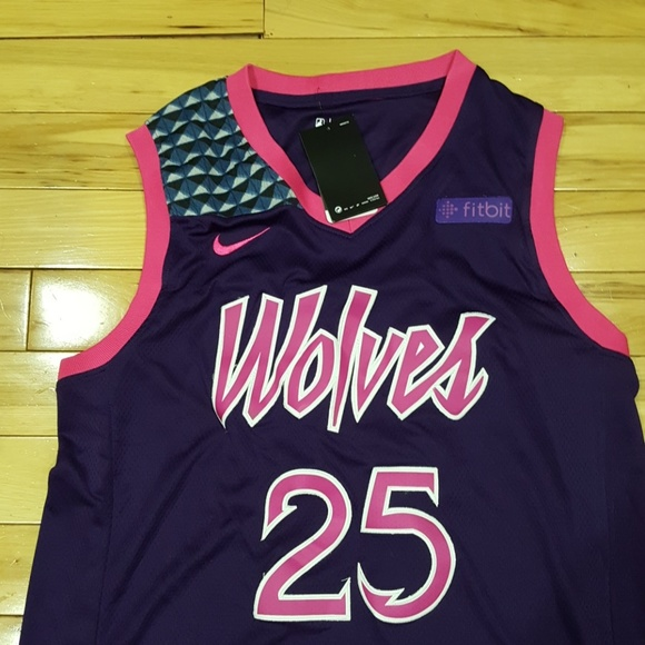pretty nice a2370 873c4 Wolves basketball Jersey NWT size L NWT